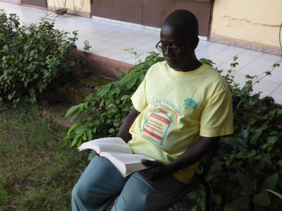 Lecture de la bible 02 400 x 300.jpg
